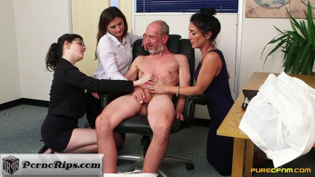 purecfnm-18-05-11-dion-de-rossi-ella-bella-and-eva-johnson-office-after-hours.jpg