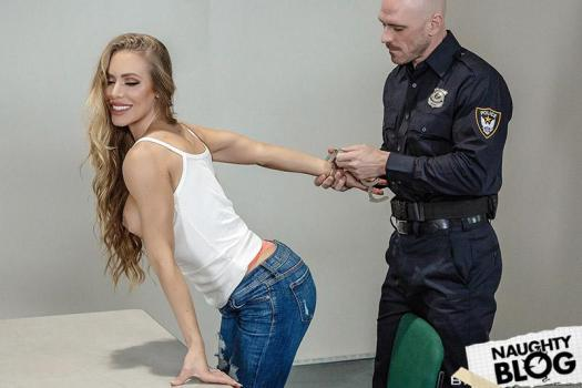 Brazzers Exxtra - Nicole Aniston: Lined Up And Laid Out (2018/HD) [OPENLOAD]