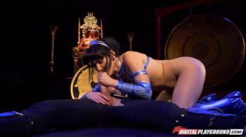 Ariella ferrera in ripped leggings taking deep anal