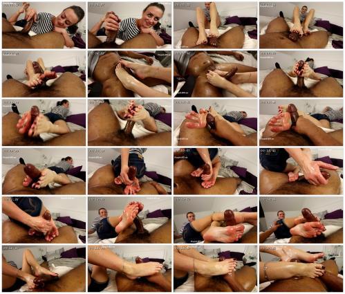 lou-in-london-joey-s-feetgirls_scrlist.jpg
