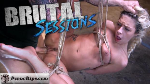 brutalsessions-18-05-03-carmen-caliente.jpg
