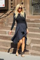 Victoria Silvstedt  - Shopping Around Madison Avenue in NYC (5/3/18)